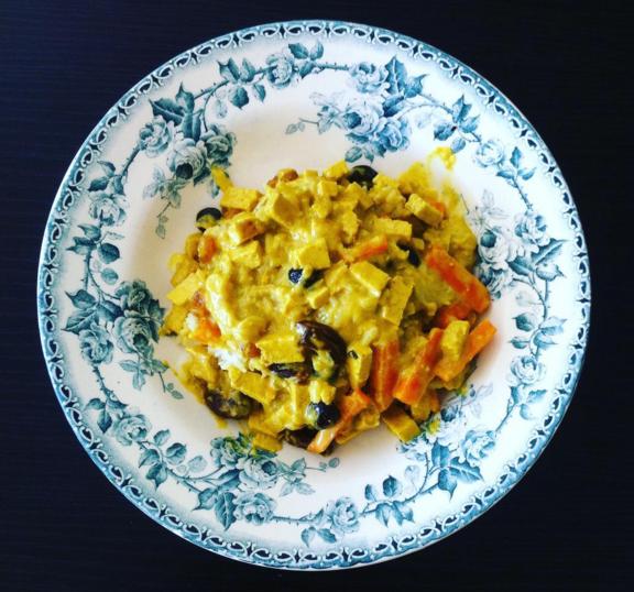 Recette du Curry de tofu, bananes et raisins secs